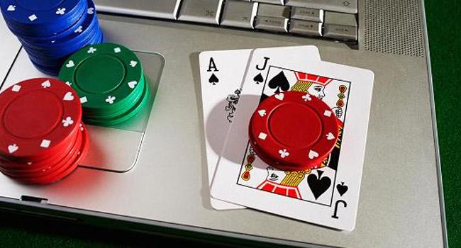 Покер Турнири vs Кеш игри: Кой вариант е по-добър за вас?